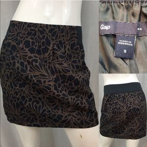 Size Small GAP Floral Lined Mini Skirt w/ Pockets